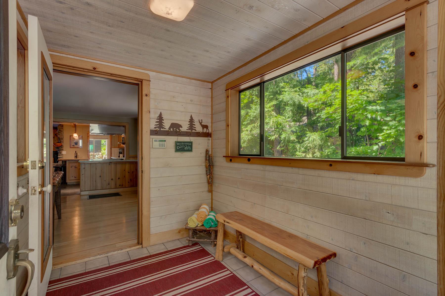 Additional photo for property listing at 1716 Willow Avenue, Tahoe City, CA 1716 Willow  Avenue Tahoe City, California 96145 Estados Unidos