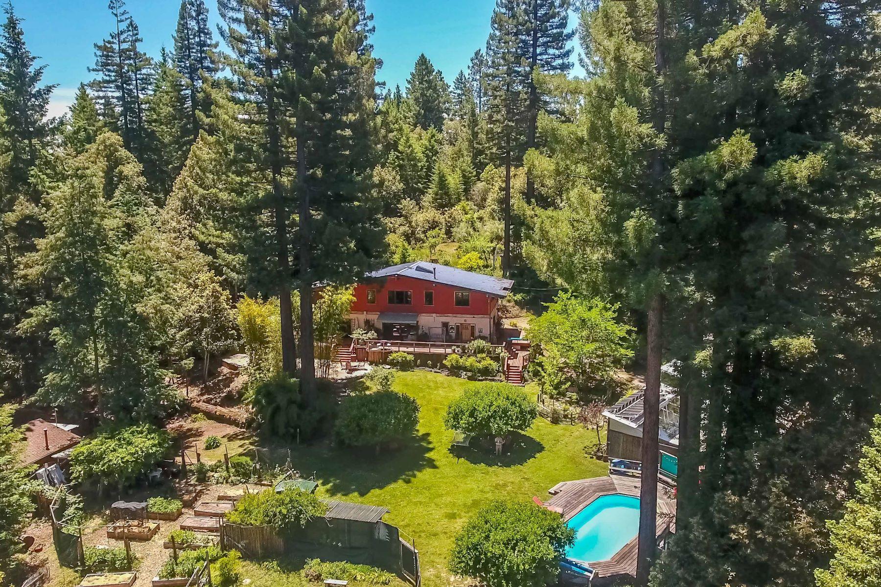 Single Family Homes para Venda às Sweet Country Sanctuary 23500 Comptche Ukiah Road, Comptche, Califórnia 95427 Estados Unidos