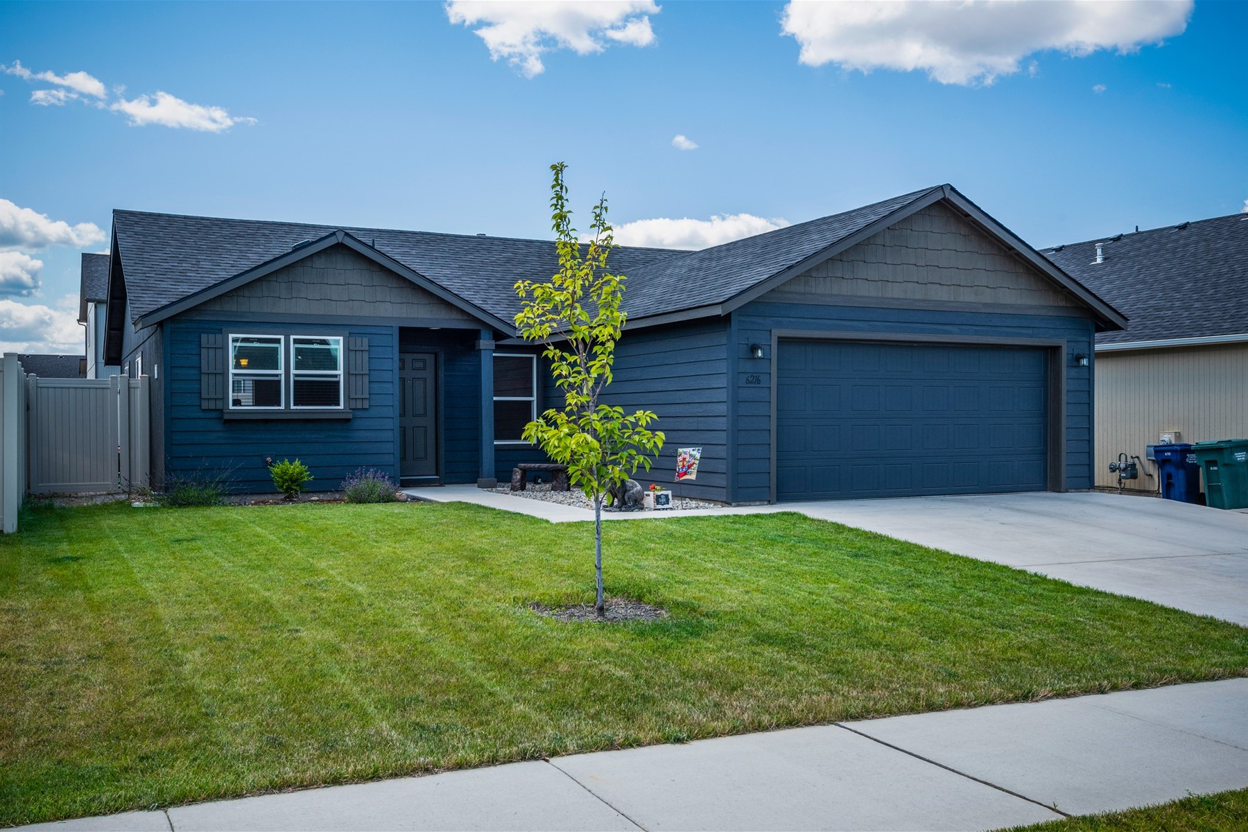 Single Family Homes للـ Sale في AmazingFamilyFriendlyNeighborhood 6216 W Alliance St, Rathdrum, Idaho 83858 United States