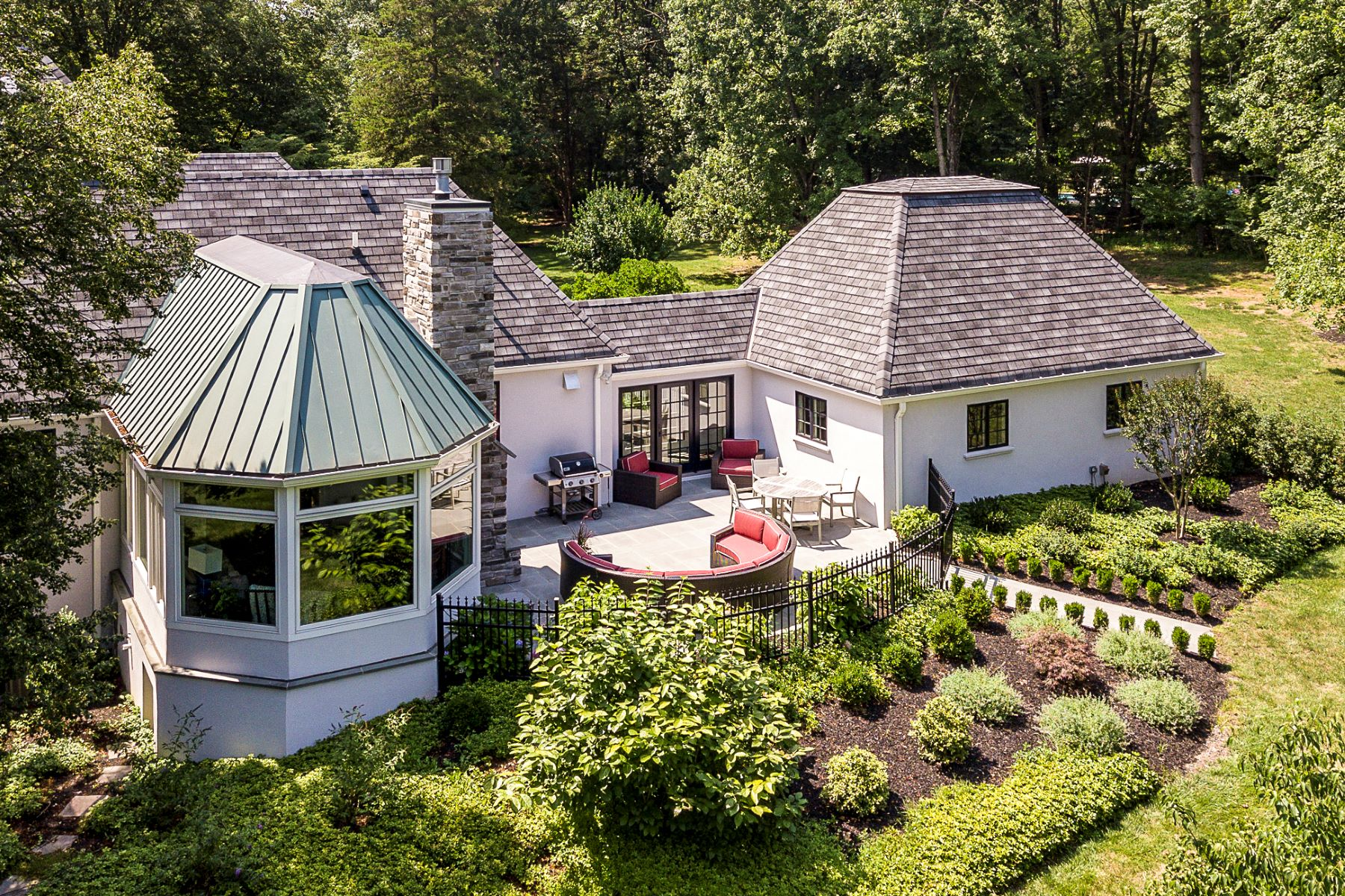 Additional photo for property listing at Remarkable from Every Perspective 141 Hunt Drive, Princeton, New Jersey 08540 United States
