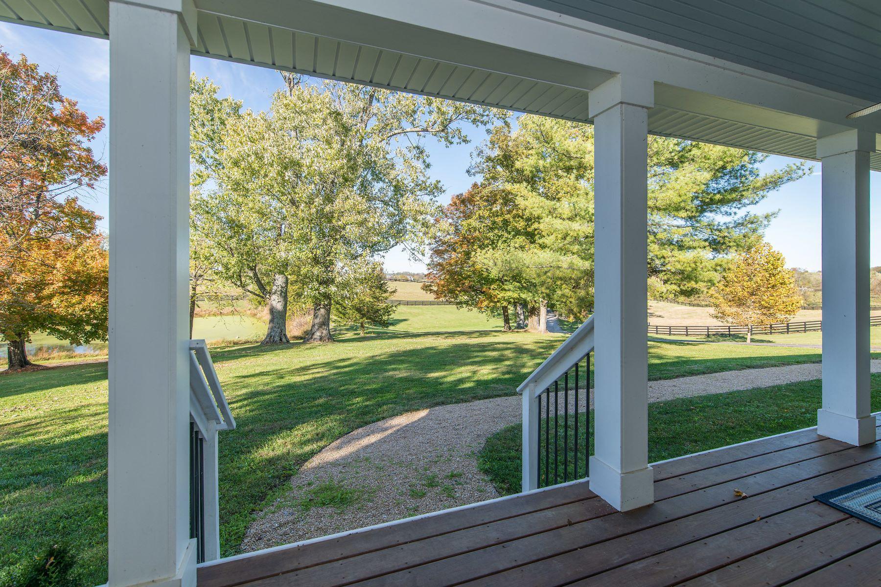 农场 / 牧场 / 种植园 为 销售 在 2788-2886 Frankfort Road 乔治城, 肯塔基州 40324 美国