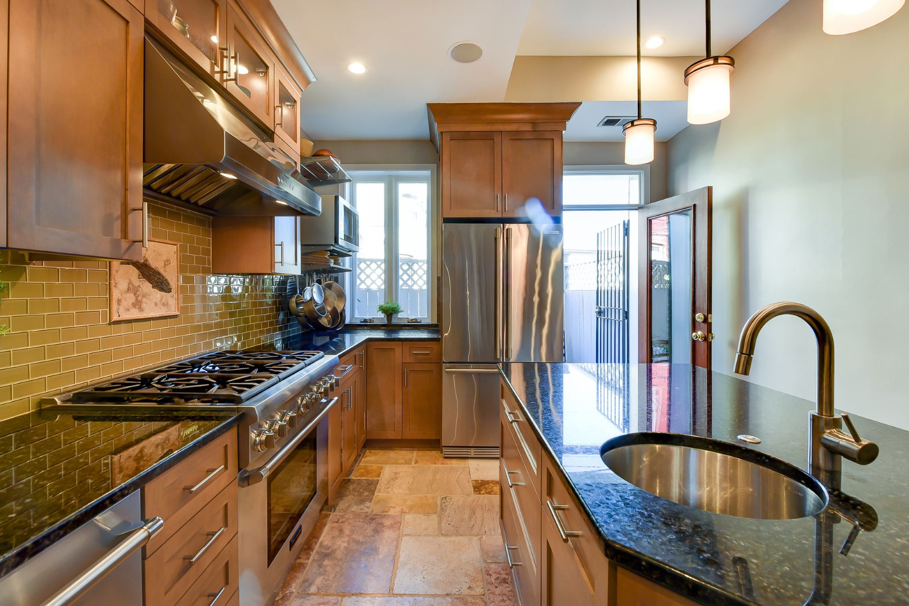 Additional photo for property listing at 1107 P Street NW 1107 P Street NW Washington, District Of Columbia 20005 United States