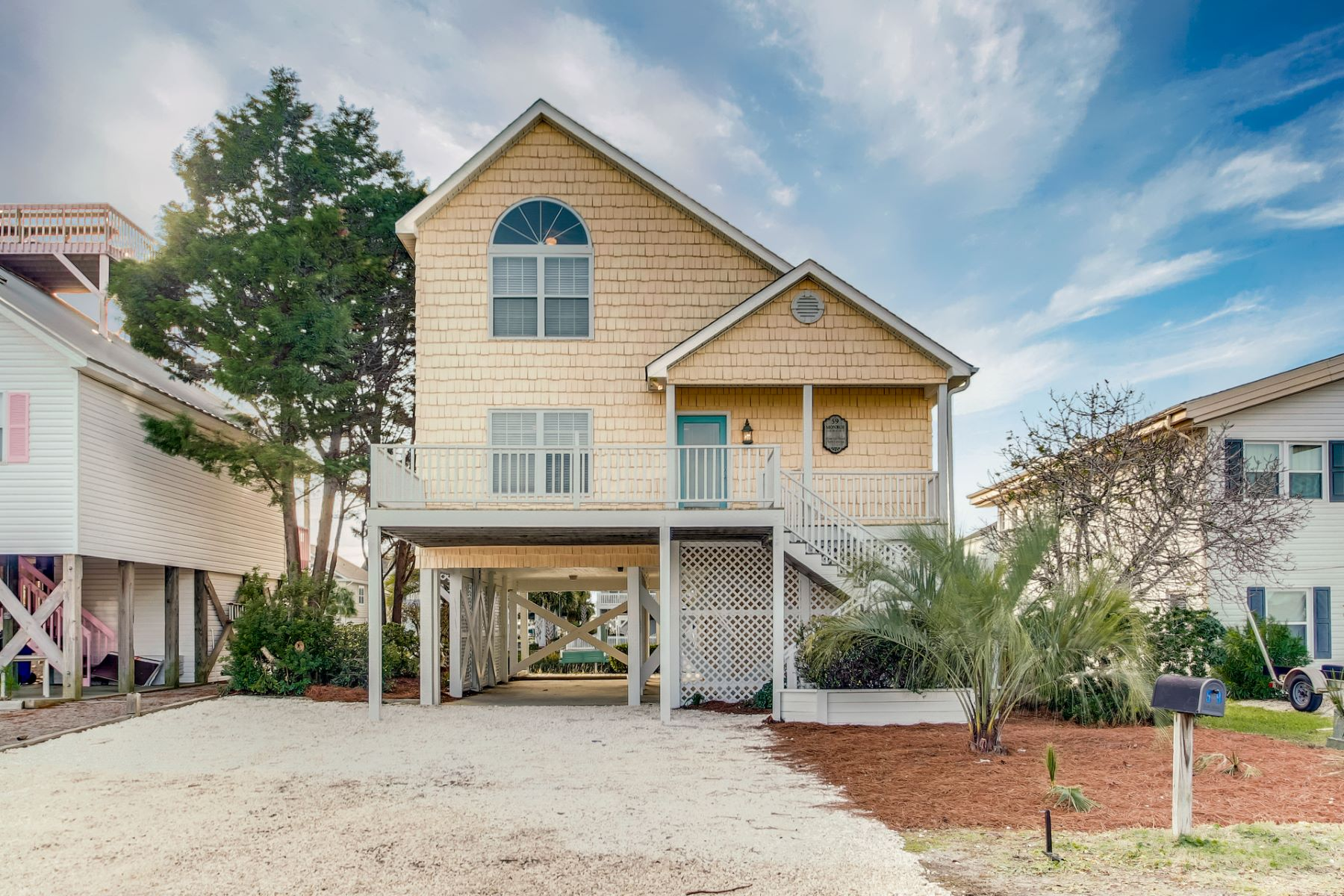 Single Family Homes for Active at Cozy Beach House 59 Monroe Street Ocean Isle Beach, North Carolina 28469 United States