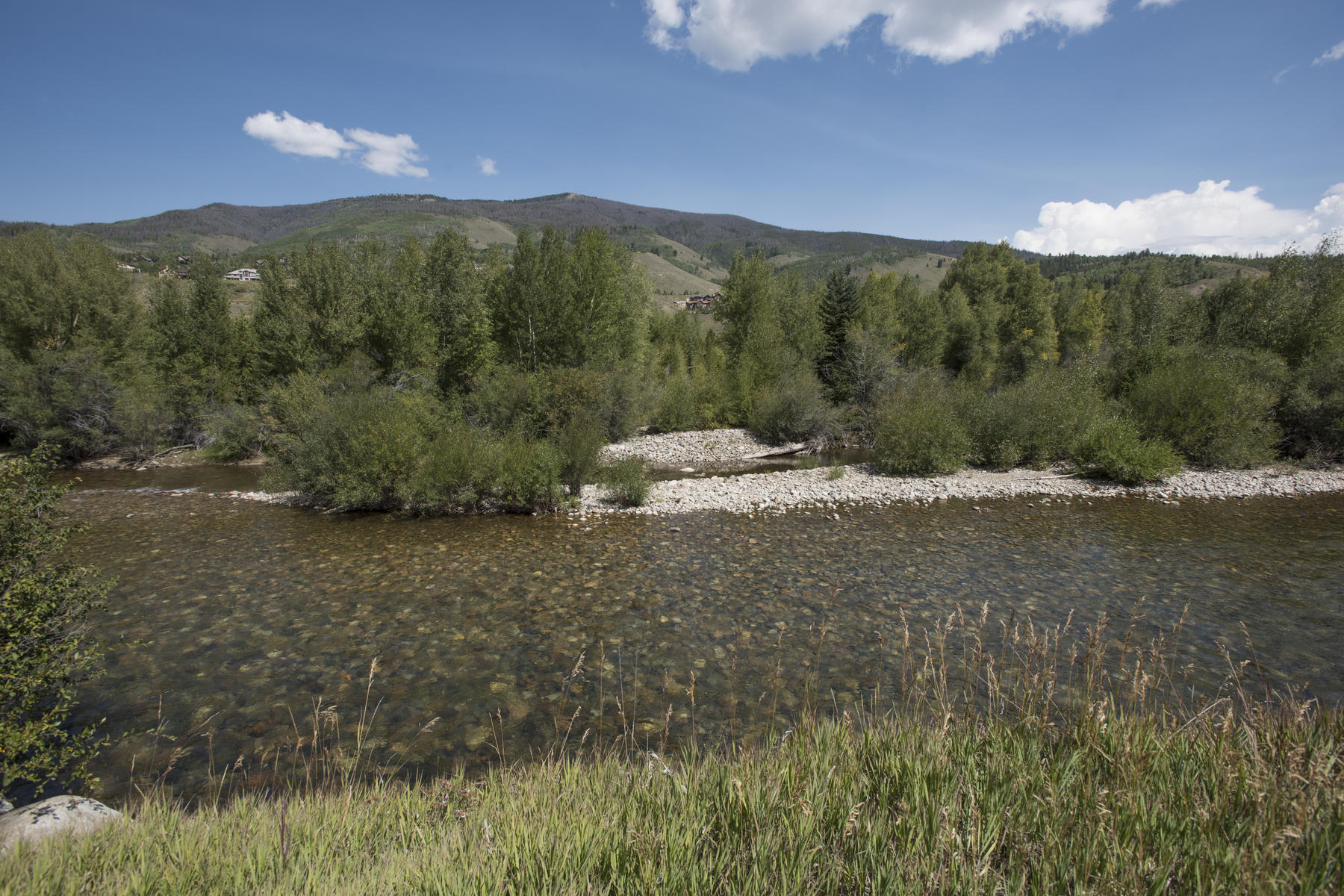 Additional photo for property listing at Waters at Silver Trout 654 Fly Line Drive Silverthorne, Colorado 80497 United States