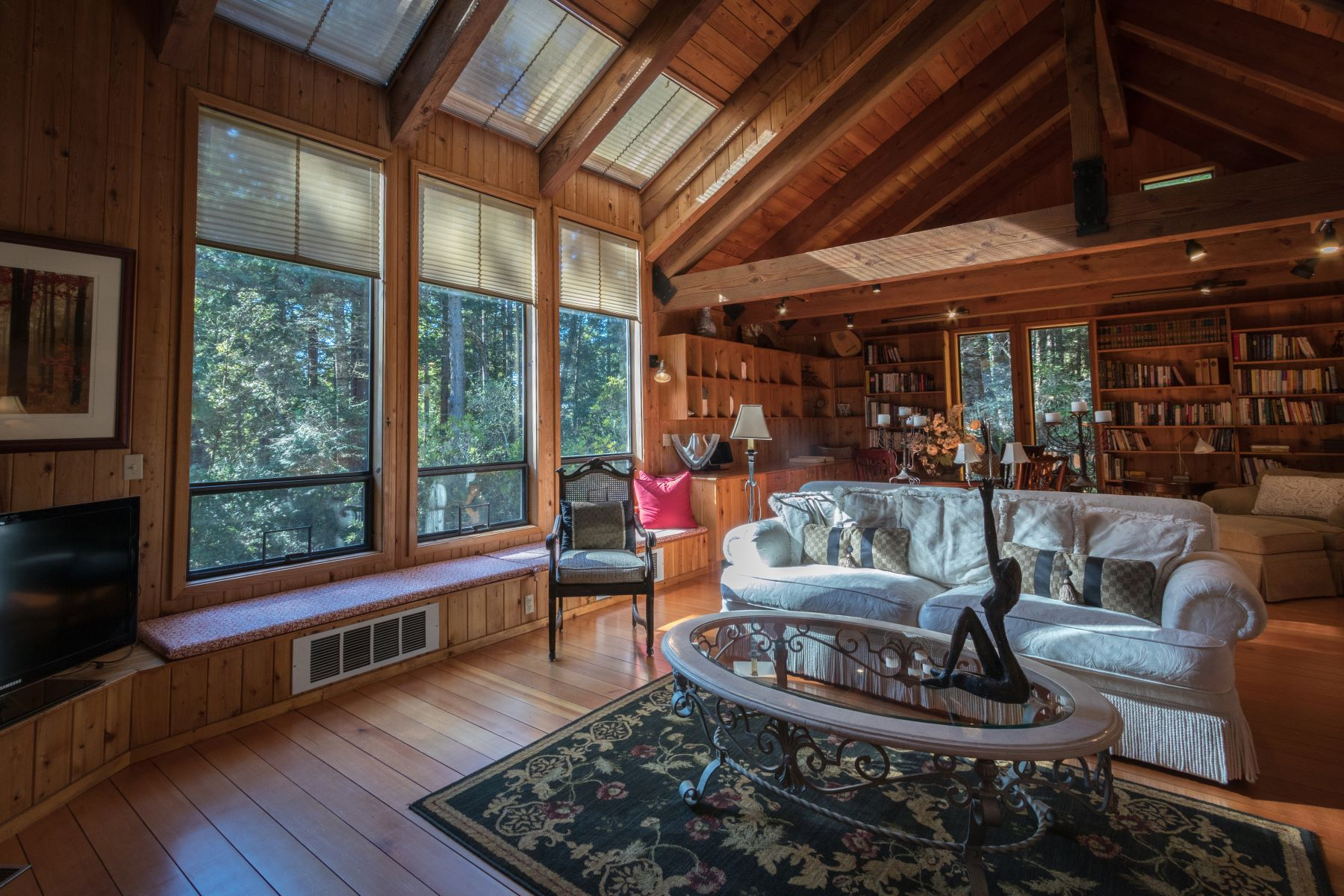 Additional photo for property listing at Little River Retreat! 33200 Frog Pond Road Little River, California 95456 United States