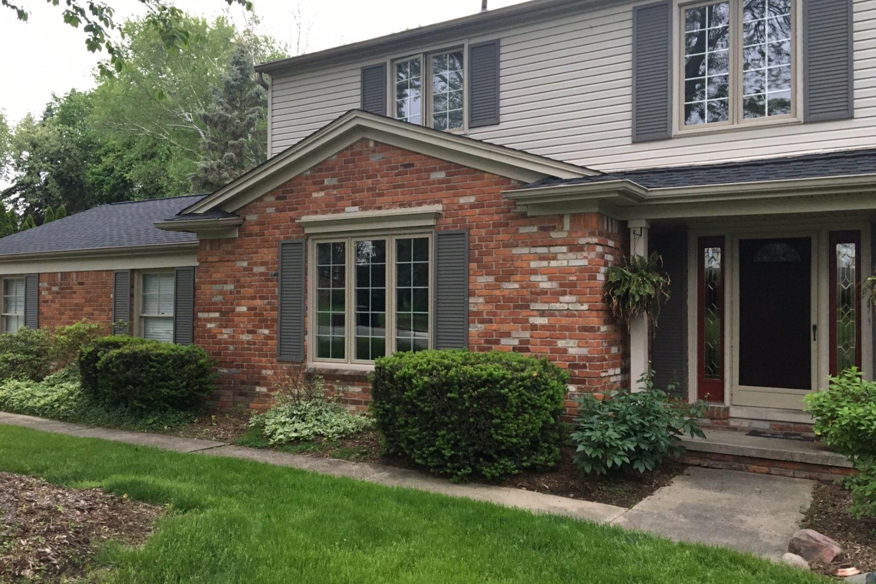 Vivienda unifamiliar por un Venta en Bloomfield Hills 535 Whitehall Rd Bloomfield Hills, Michigan, 48304 Estados Unidos