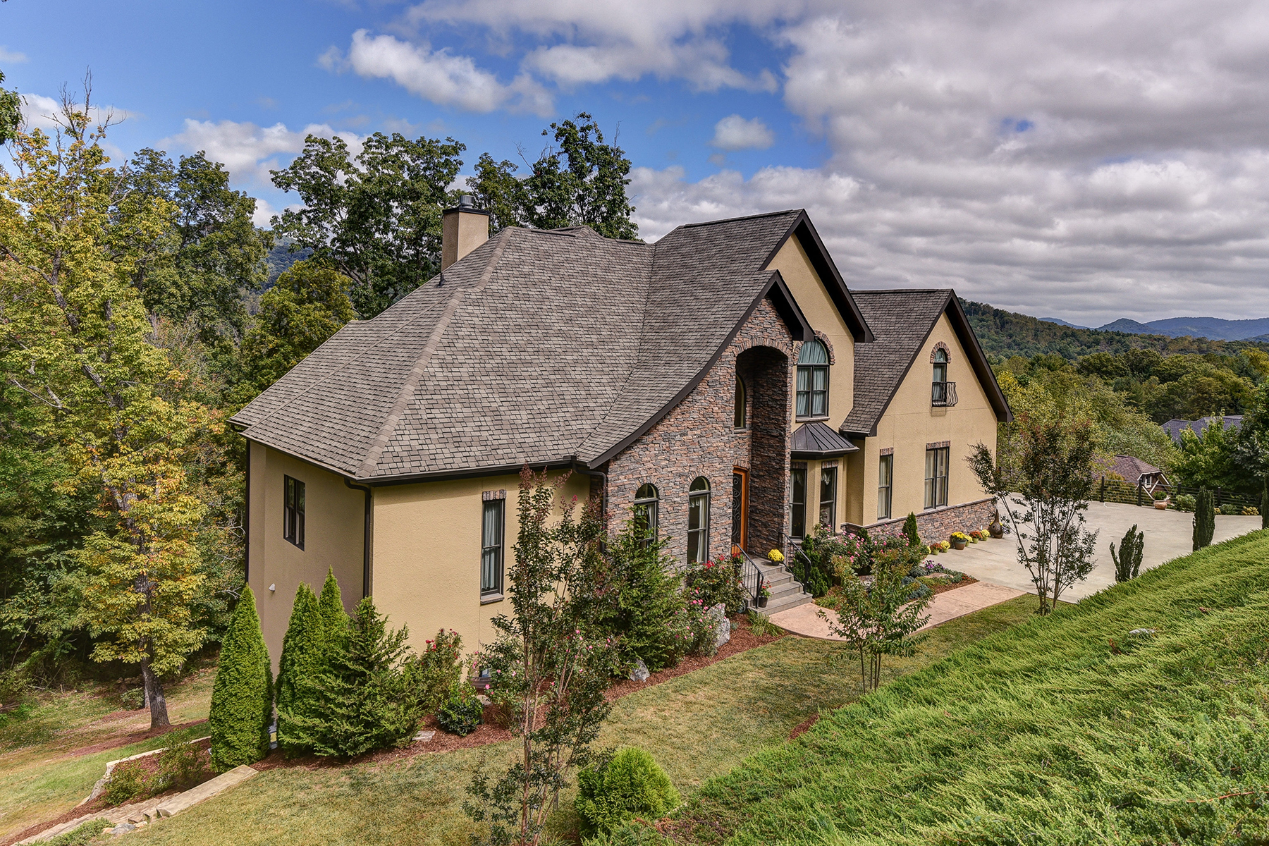 Single Family Home for Active at THE WILLOWS 103 Willow Farm Rd Fairview, North Carolina 28730 United States