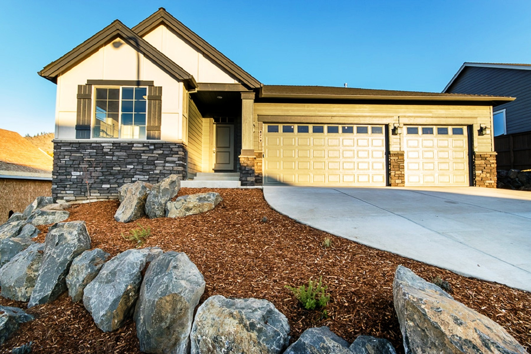 Vivienda unifamiliar por un Venta en Beautiful New Build in Central OR 1257 NE Sunrise St Lot 78 Prineville, Oregon, 97754 Estados Unidos