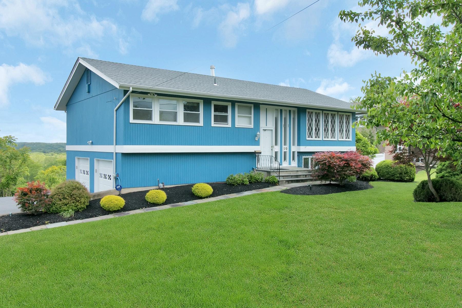 Maison unifamiliale pour l Vente à 99 Lester Drive Tappan, New York 10983 États-Unis