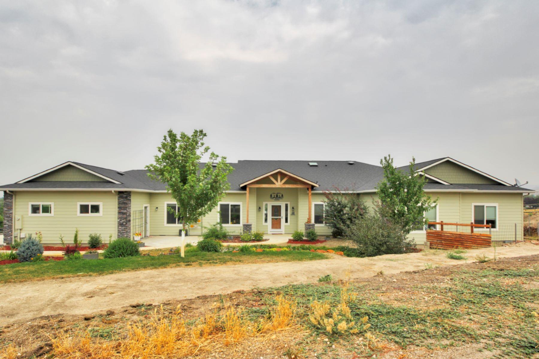Частный односемейный дом для того Продажа на 4200 Rocky Point Lane, Emmett 4200 Rocky Point Ln Emmett, Айдахо, 83617 Соединенные Штаты