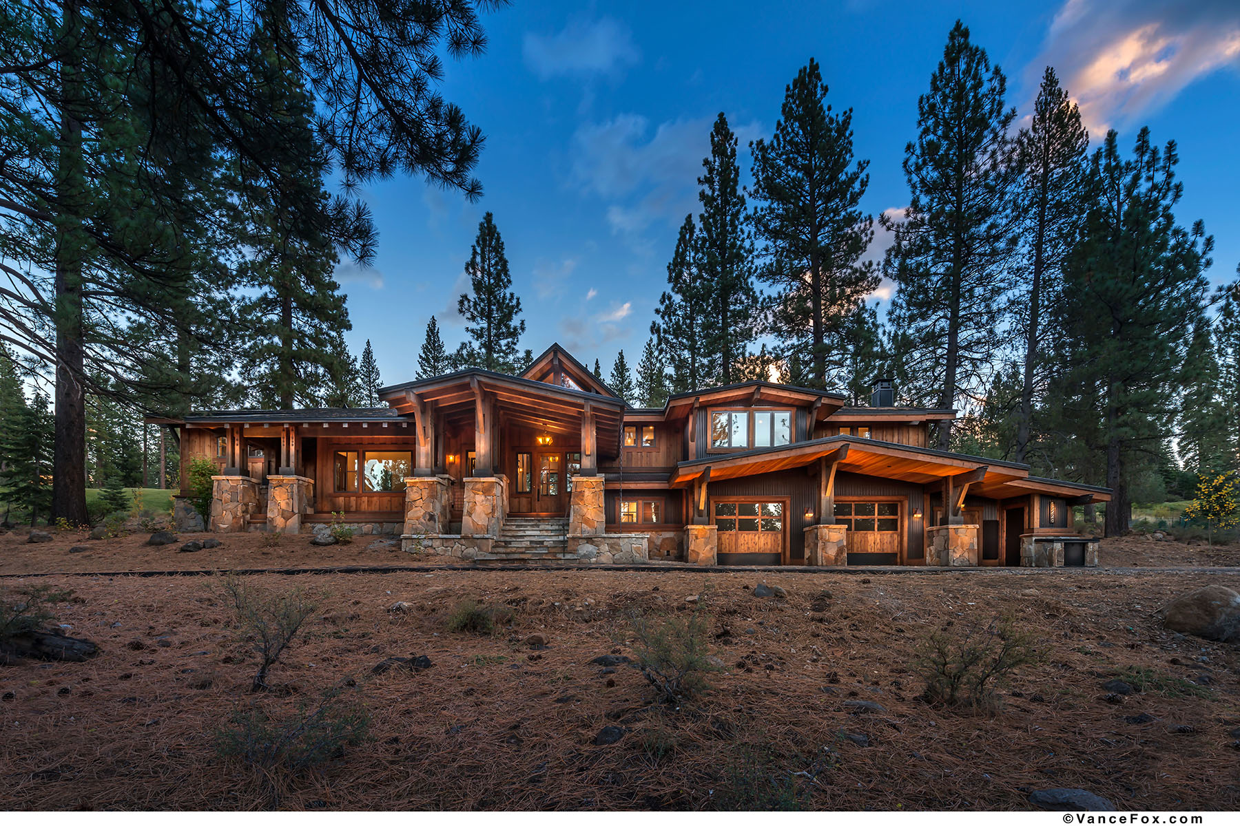 Property 为 销售 在 13228 Snowshoe Thompson Circle, Truckee, California 96161 13228 Snowshoe Thompson Circle 特拉基, 加利福尼亚州 96161 美国