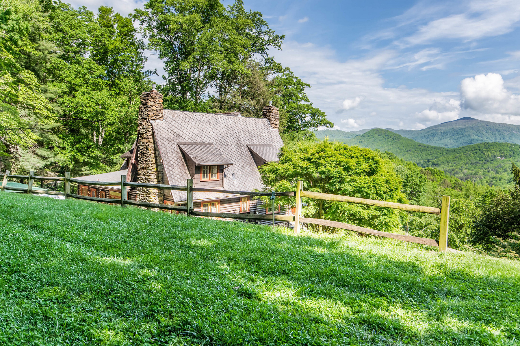 Single Family Homes for Active at FAIRVIEW 92 Flat Top Mountain Rd Fairview, North Carolina 28730 United States