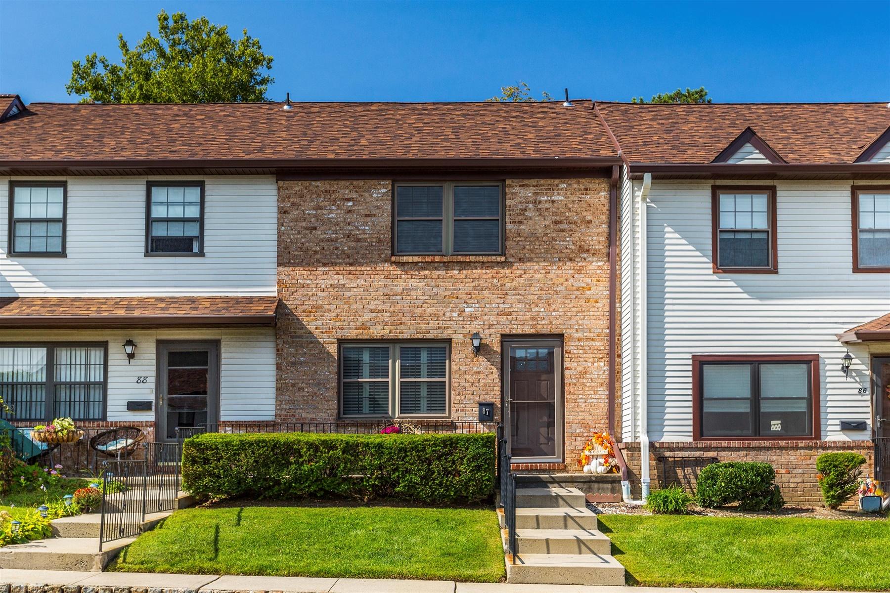 townhouses por un Venta en 87 Village Green Way Hazlet, Nueva Jersey 07730 Estados Unidos