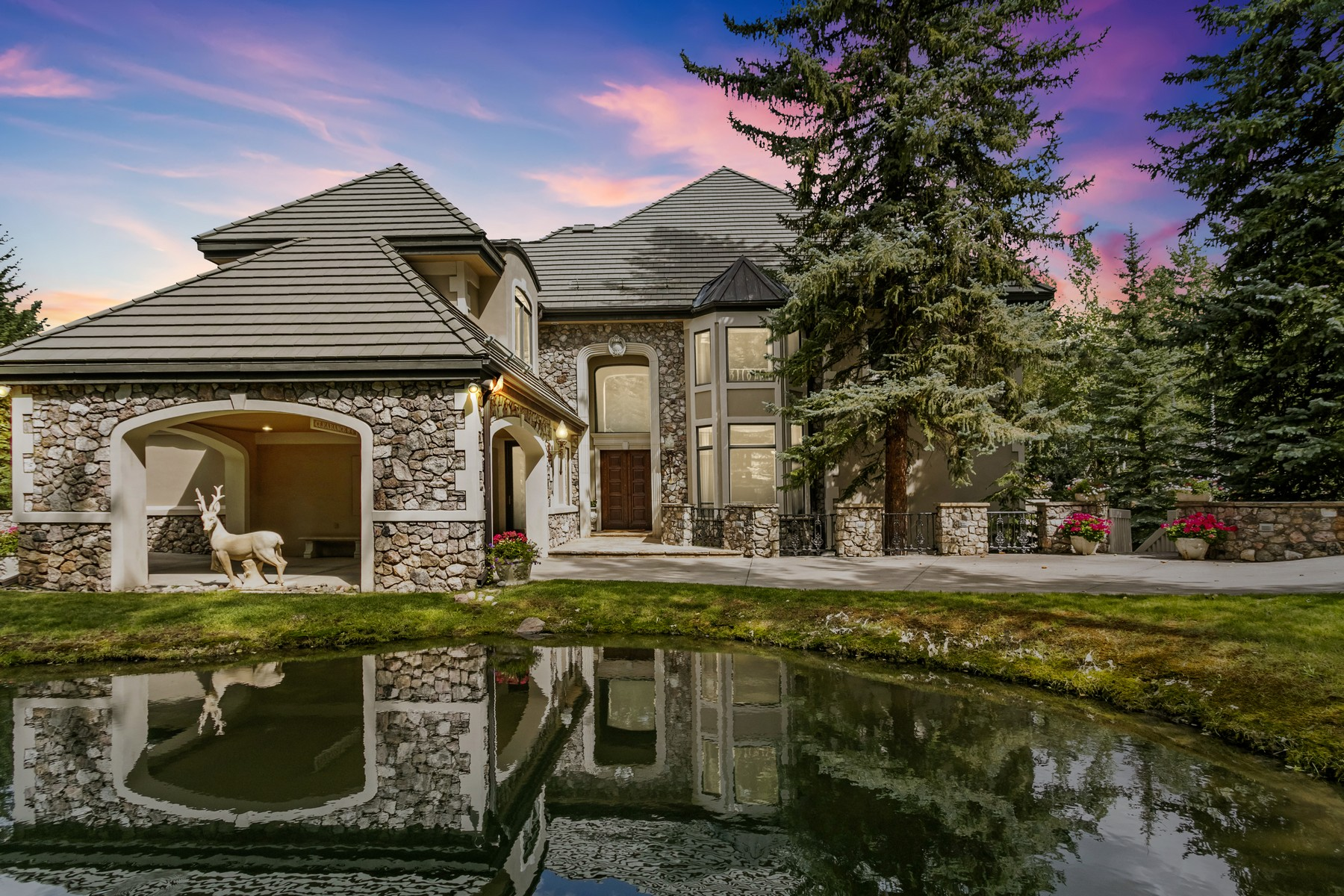 Single Family Homes for Active at European-inspired iconic home 789 Holden Road Beaver Creek, Colorado 81620 United States