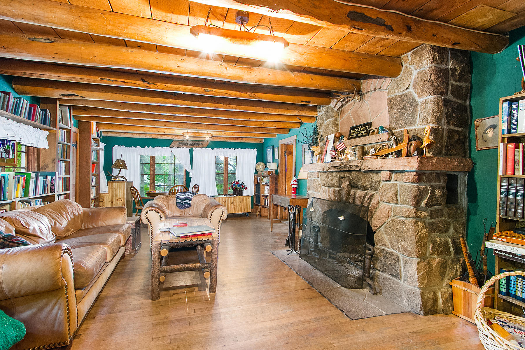 Additional photo for property listing at The Baldpate Inn 4900 Highway 7 Estes Park, Colorado 80517 United States