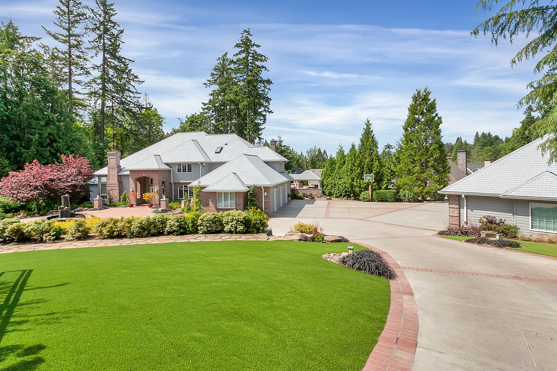 Single Family Homes for Active at 6310 SW Patton Road Portland, Oregon 97221 United States