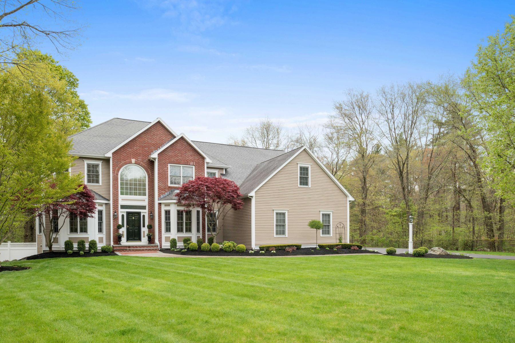 Single Family Home for Sale at 75 Wedgewood Drive, Easton Easton, Massachusetts 02356 United States