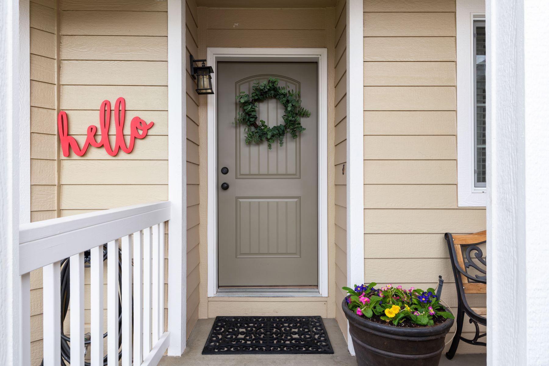 Single Family Homes por un Venta en Immaculate! Many Updates 4515 Tusayan Drive Pasco, Washington 99301 Estados Unidos