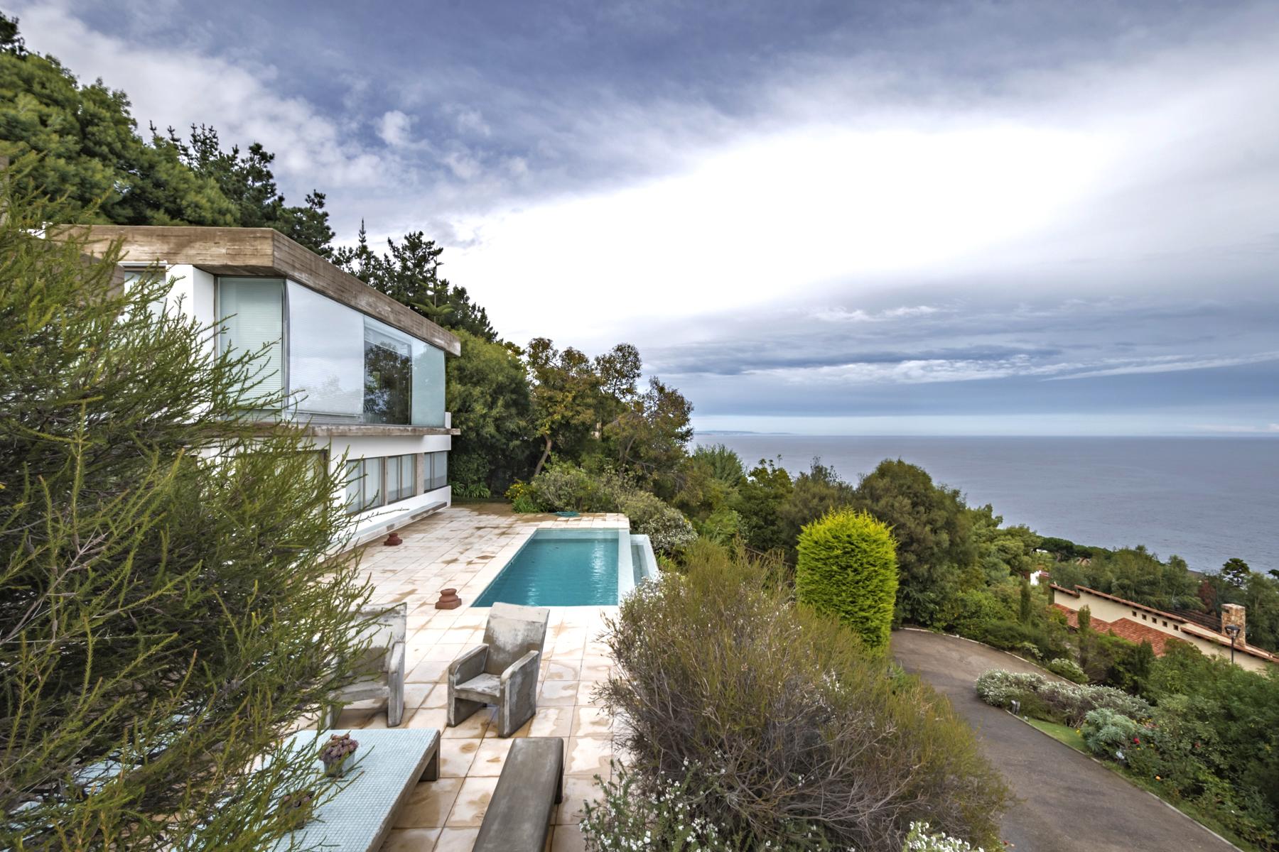 Casa por un Venta en Espectacular casa en Zapallar zona Mar Bravo con excelente vista al mar Chile
