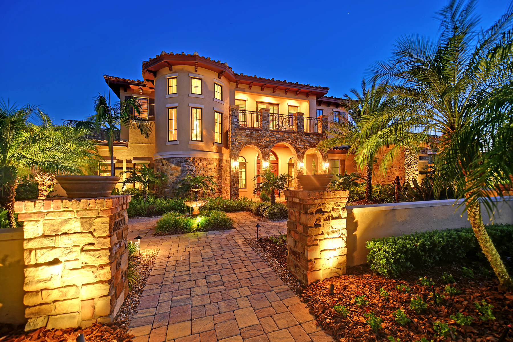 Single Family Homes for Sale at LAKE CLUB 15514 Anchorage Pl, Lakewood Ranch, Florida 34202 United States