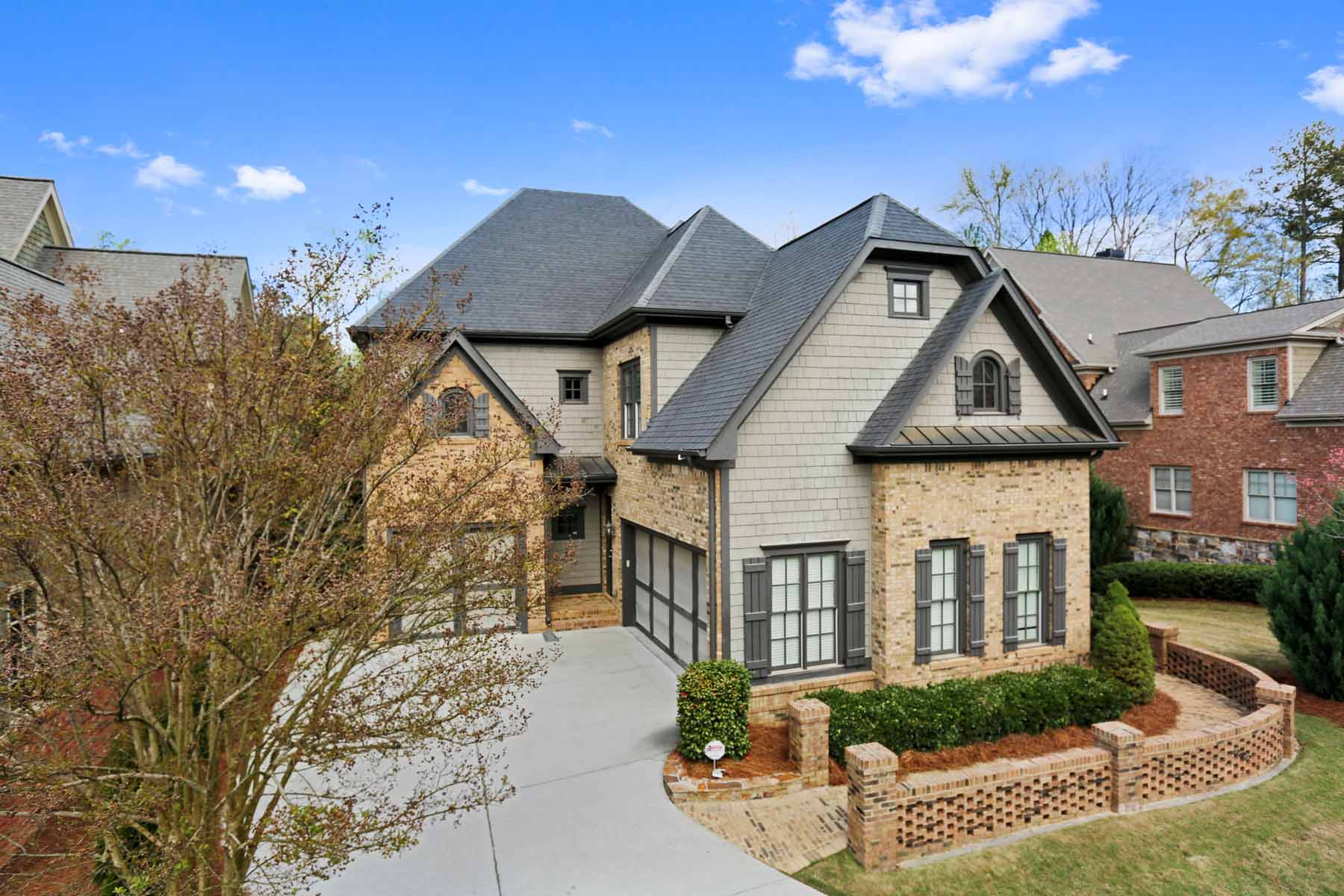 Tek Ailelik Ev için Satış at Stunning Home in Gated Community 5206 Creek Walk Circle Peachtree Corners, Georgia, 30092 Amerika Birleşik Devletleri