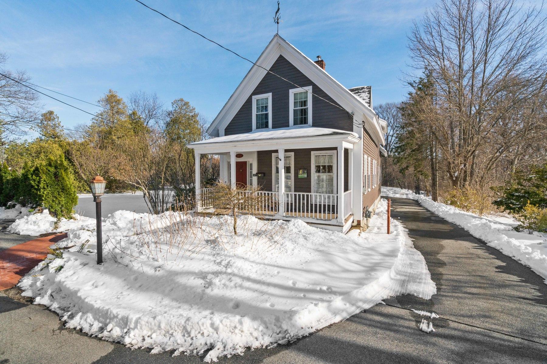 sales property at 147 Woburn St, Lexington, MA 02420
