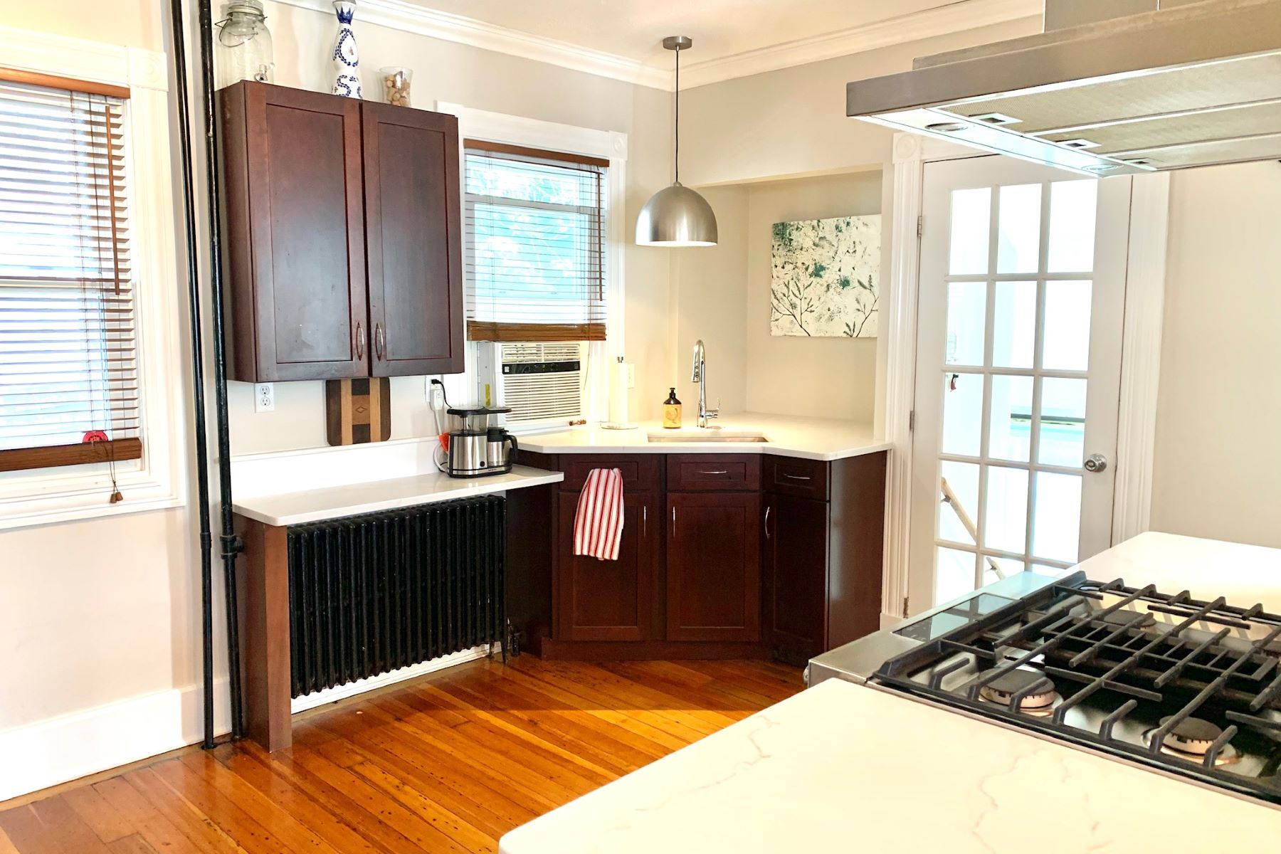 Additional photo for property listing at Adorable Updated Newport Cottage 6 Nicol Terrace Newport, Rhode Island 02840 United States