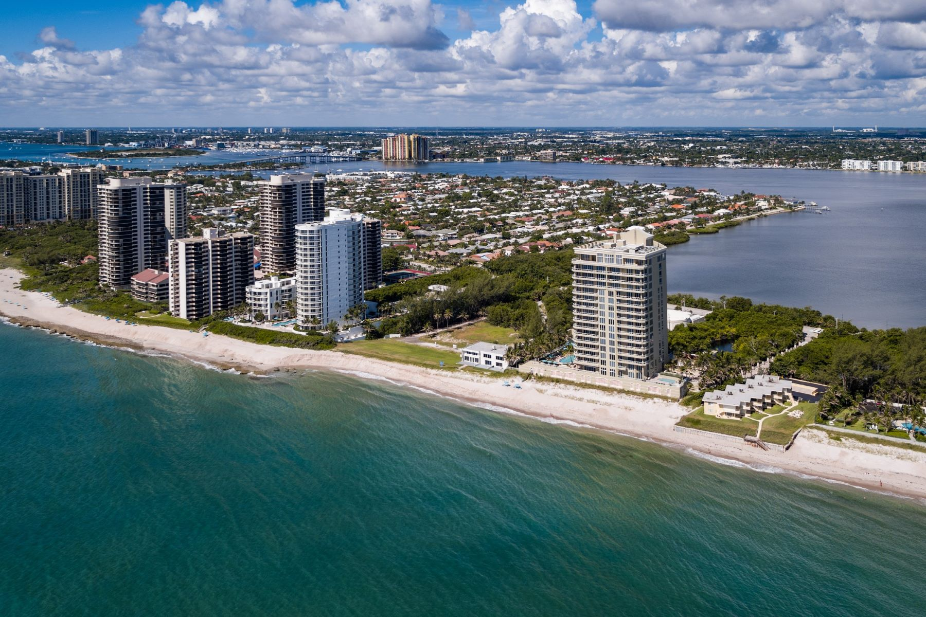 Condominium for Sale at Ocean's Edge at Singer Island 5050 North Ocean Drive, Unit 1501 Singer Island, Florida 33404 United States