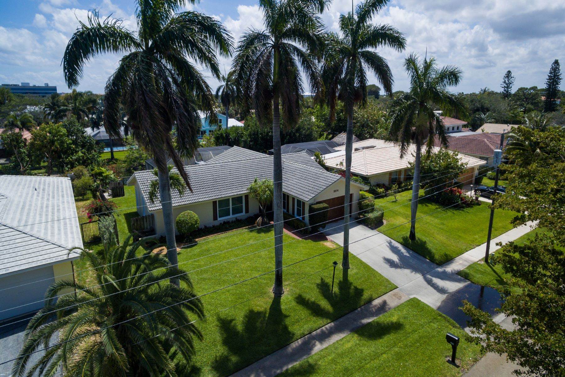 Villa per Vendita alle ore 1874 Ascott Road North Palm Beach, Florida, 33408 Stati Uniti