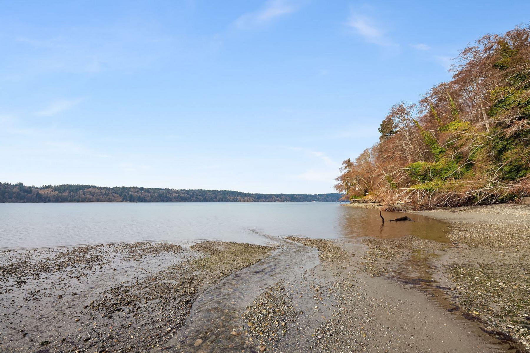Additional photo for property listing at 19223 Robinwood Rd, Vashon 19223 Robinwood Rd Vashon, Washington 98070 United States