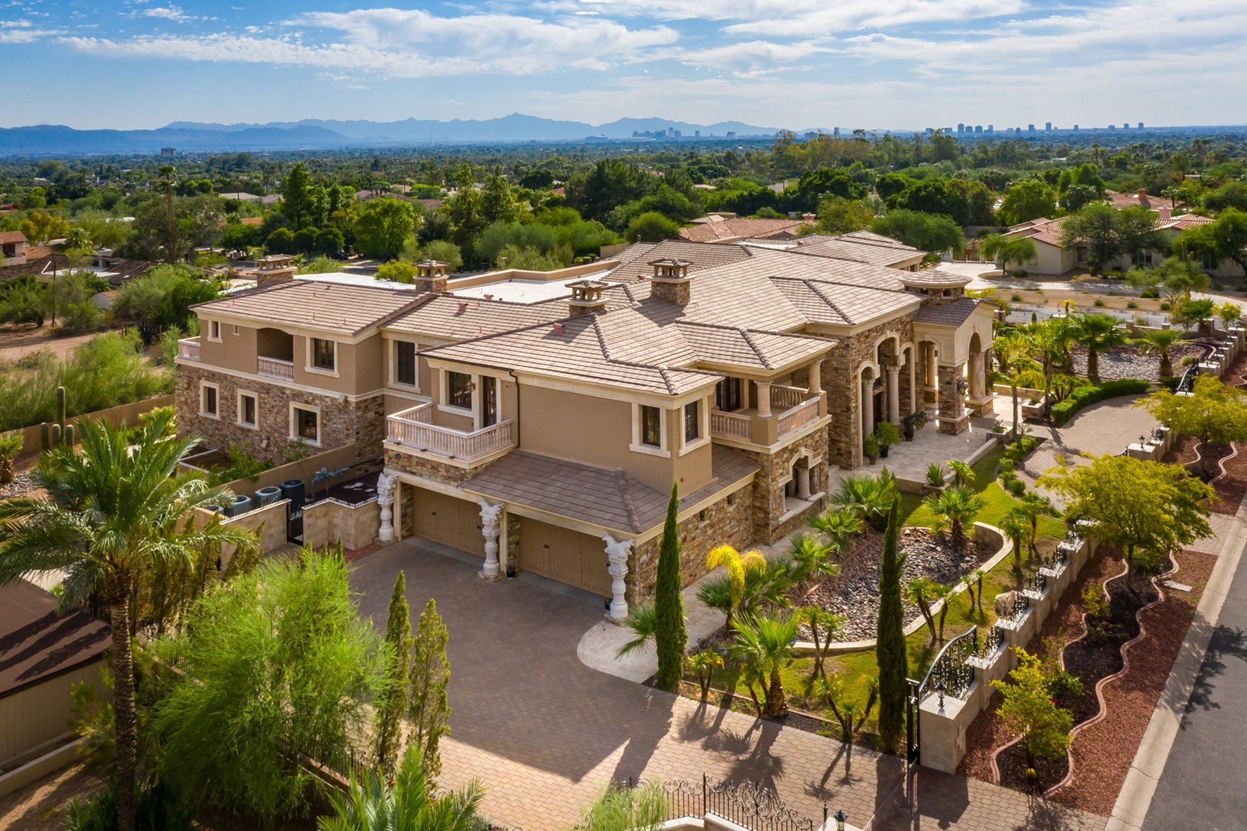 Single Family Homes for Active at Highlands 3 5301 E WONDERVIEW RD Phoenix, Arizona 85018 United States
