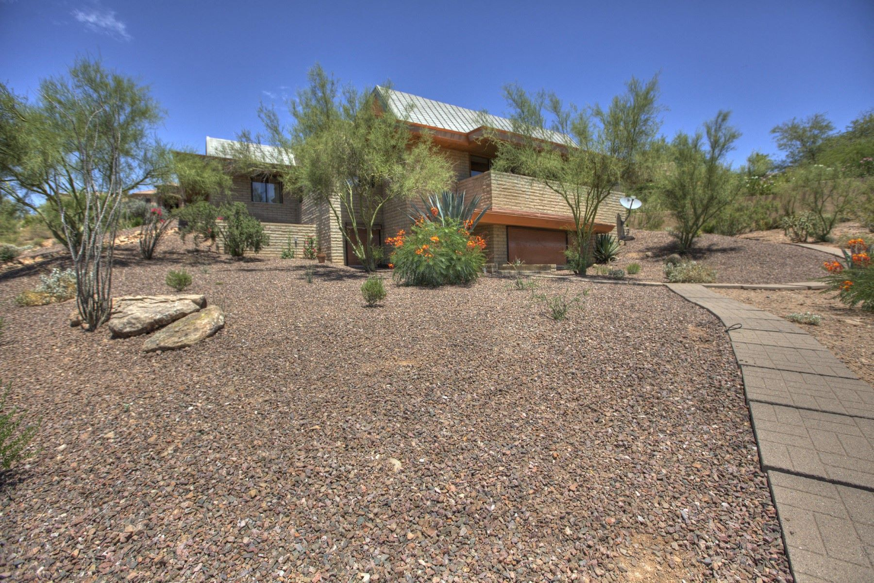 Single Family Home for Sale at Incredible home in Fountain Hills 11007 N Inca Ave Fountain Hills, Arizona, 85268 United States