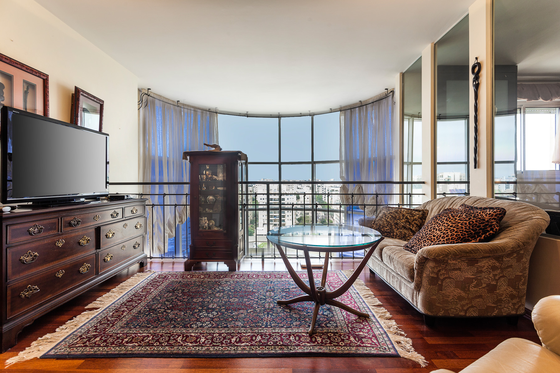 Additional photo for property listing at Exquisite Luxury Penthouse in New Ramat Aviv Gimel Tel Aviv, Israel Israel