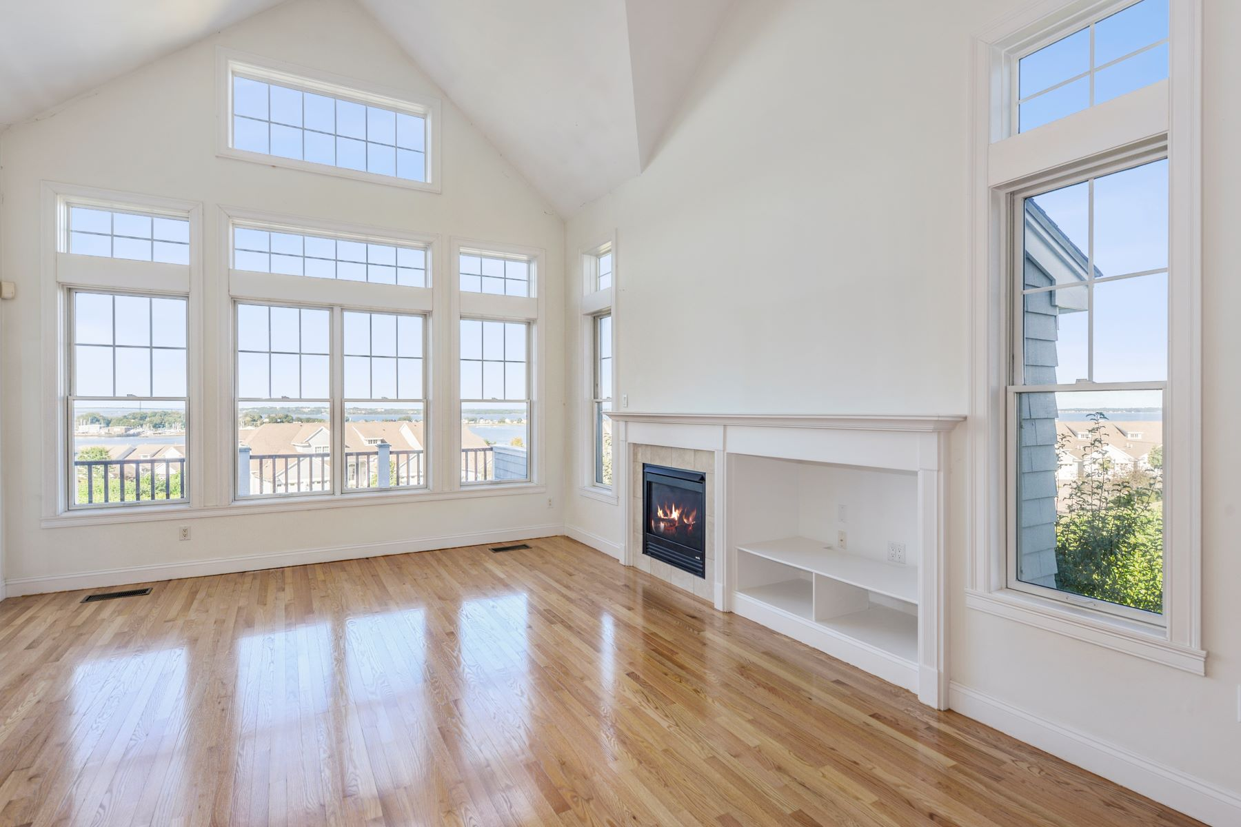 Additional photo for property listing at Villages on Mount Hope Bay 29 Cutter Lane Unit #120 Tiverton, Rhode Island 02878 United States