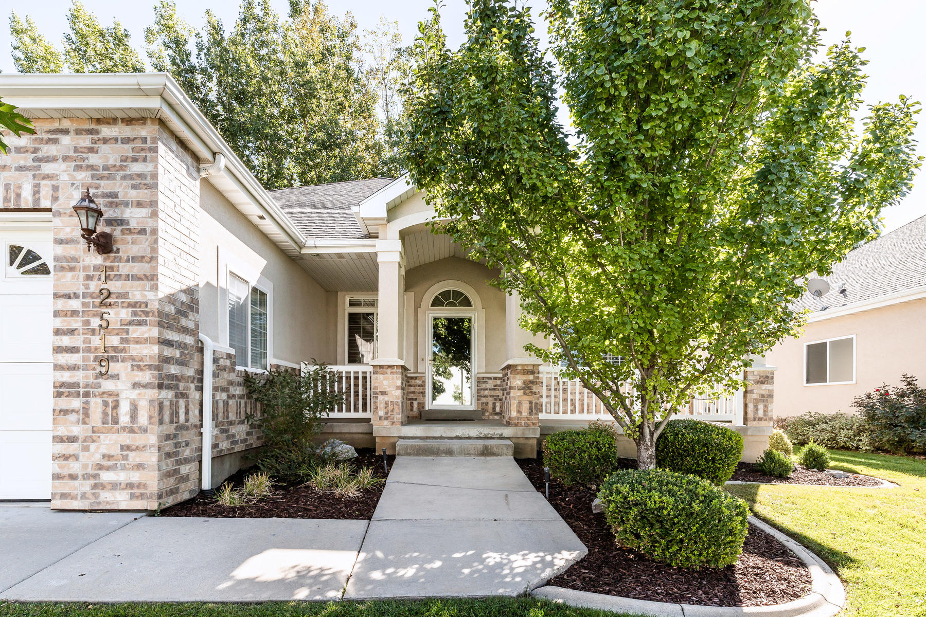 Single Family Homes for Sale at Low Maintenance Living 12519 Forge Way, Draper, Utah 84020 United States