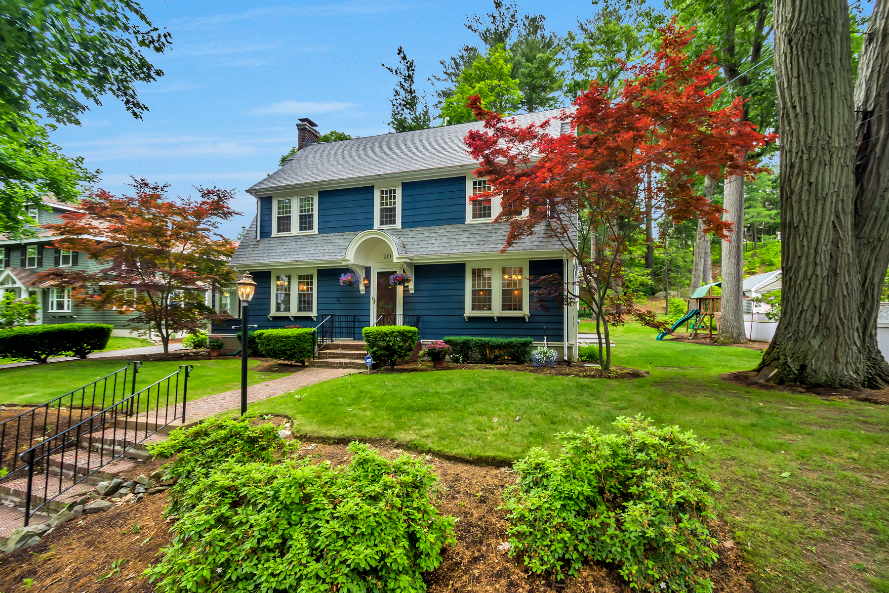 Single Family Home for Sale at Newly Renovated 4 Bed 20 Mason St Winchester, Massachusetts 01890 United States