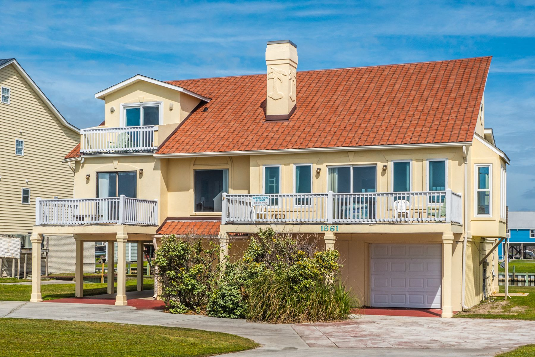 Single Family Homes por un Venta en Canal Front with Excellent Ocean Views 1661 New River Inlet Rd, N Topsail Beach, Carolina Del Norte 28460 Estados Unidos