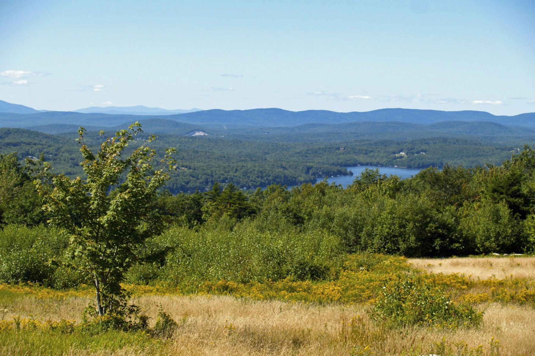 Terreno por un Venta en Amazing Views of Lake and Mountians High Meadow Rd Newbury, Nueva Hampshire 03255 Estados Unidos