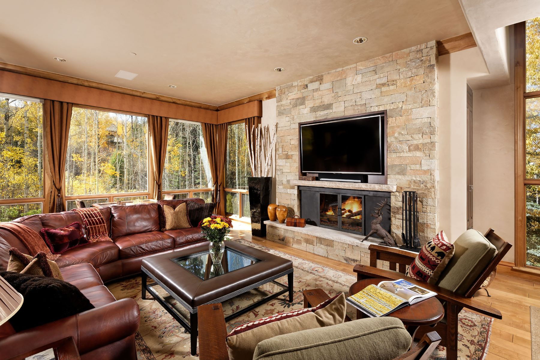 Additional photo for property listing at Ski In-Ski Out Owl Creek Town home 610 Streamside Court 31 Snowmass Village, Colorado 81615 United States