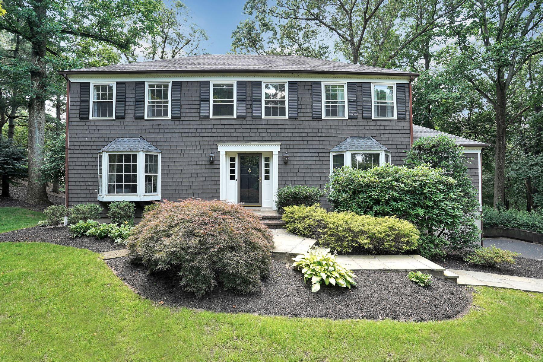 Single Family Homes por un Venta en Charming Traditional Home 2 Jodi Lane Chatham, Nueva Jersey 07928 Estados Unidos