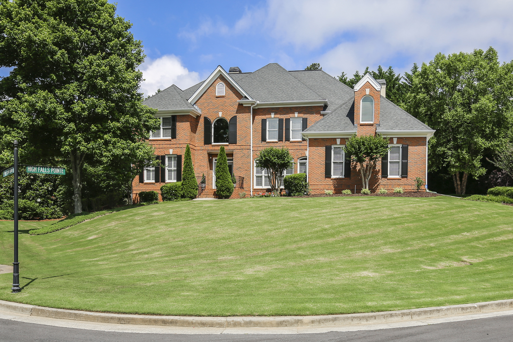 Single Family Home for Sale at Stunning Meticulously Maintainted Custom Brick Beauty 10190 High Falls Pointe Johns Creek, Georgia 30022 United States