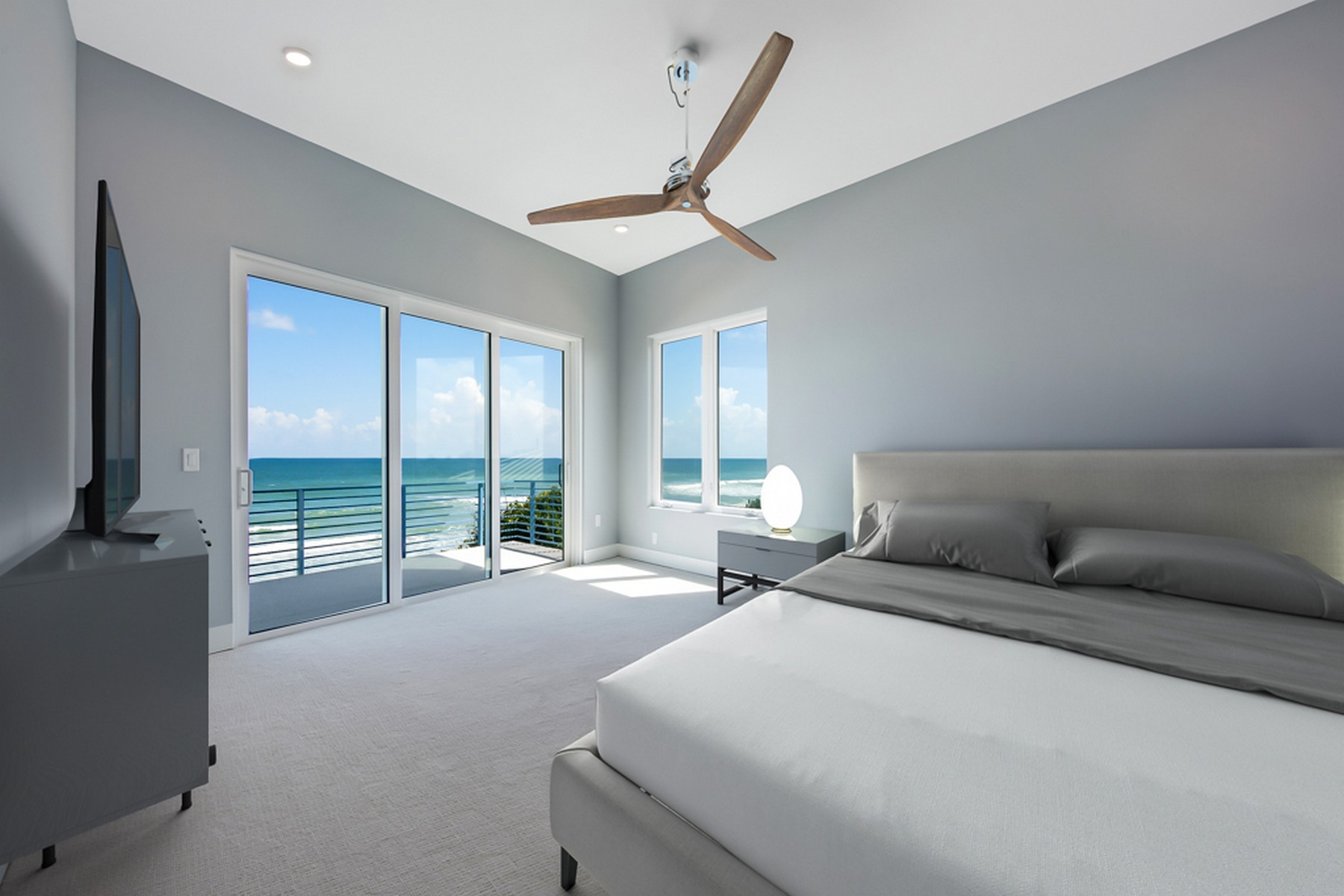 Additional photo for property listing at Contemporary Oceanfront Home 5285 S. Highway A1A Melbourne Beach, Florida 32951 United States