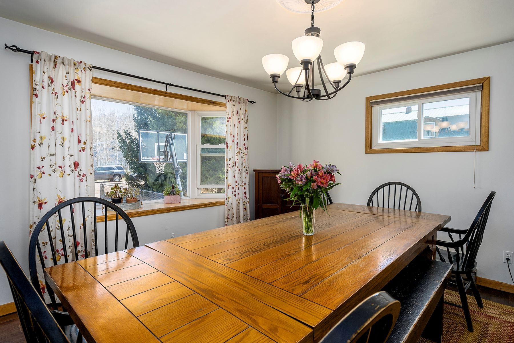 Additional photo for property listing at Large Home in the Heart of Yampa 284 Lincoln Street, Yampa, Колорадо 80483 Соединенные Штаты
