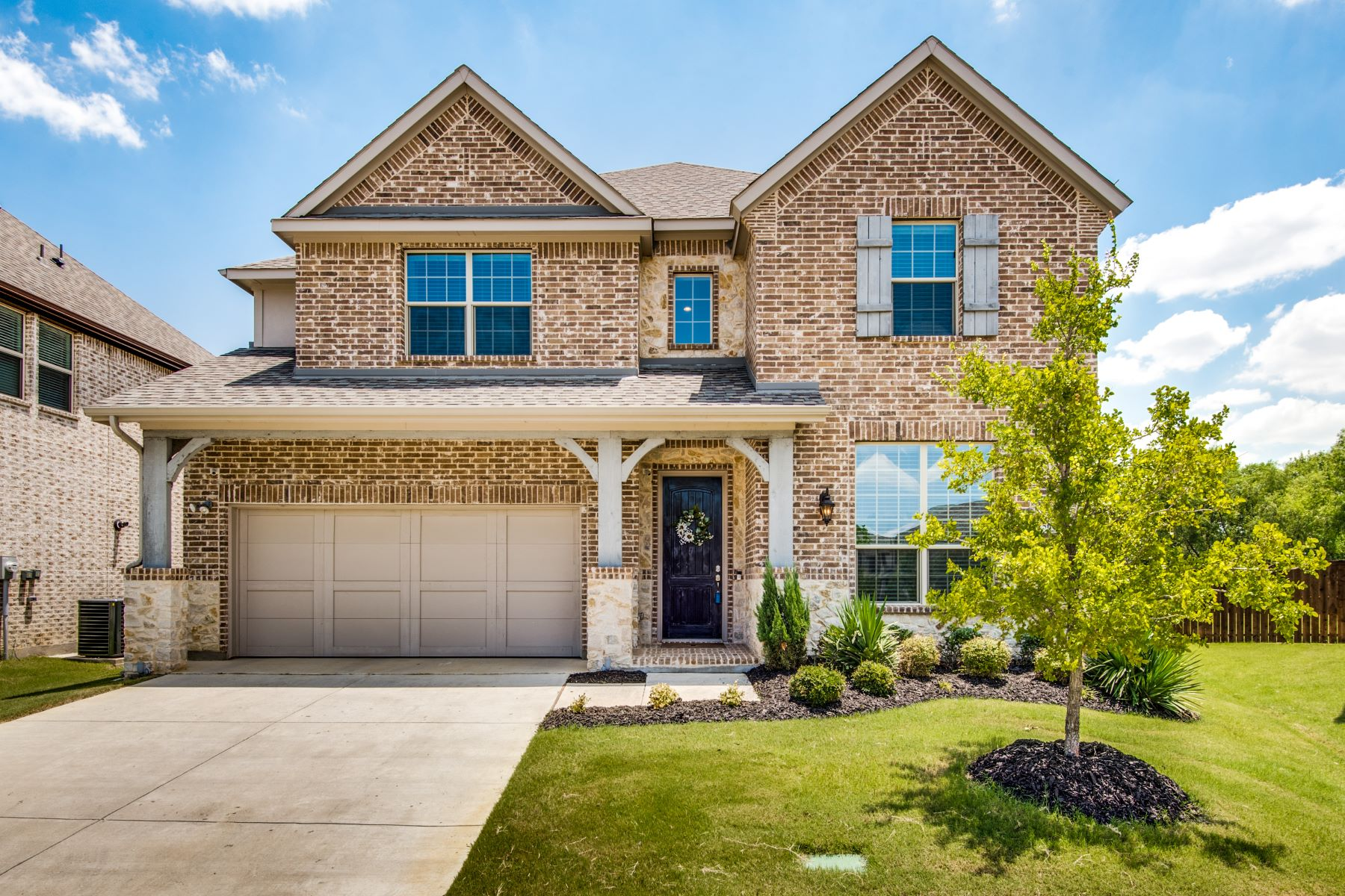 Single Family Homes 용 매매 에 Like New in Glade Parks 2500 Navarro Trail, Euless, 텍사스 76039 미국