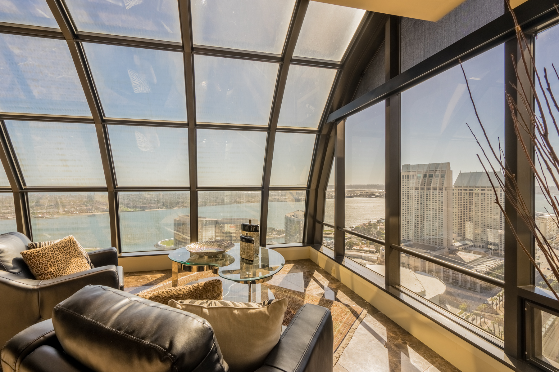 Condominiums for Active at The Harbor Club Penthouse 100 Harbor Drive 3902 San Diego, California 92101 United States
