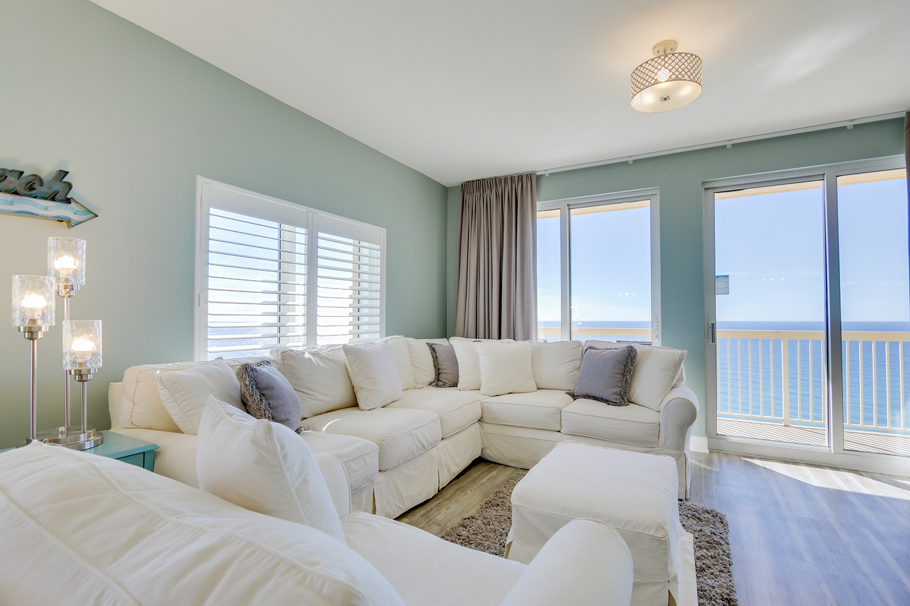 Kat Mülkiyeti için Satış at Investor's Dream Condo in Highly Desirable Calypso Towers 15817 Front Beach Road Unit 1-2201 Panama City Beach, Florida 32413 Amerika Birleşik Devletleri