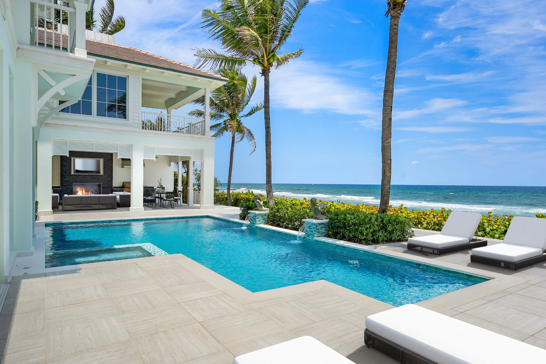 Additional photo for property listing at Sensational Oceanfront Masterpiece 3777 N Ocean Boulevard Delray Beach, Florida 33483 United States