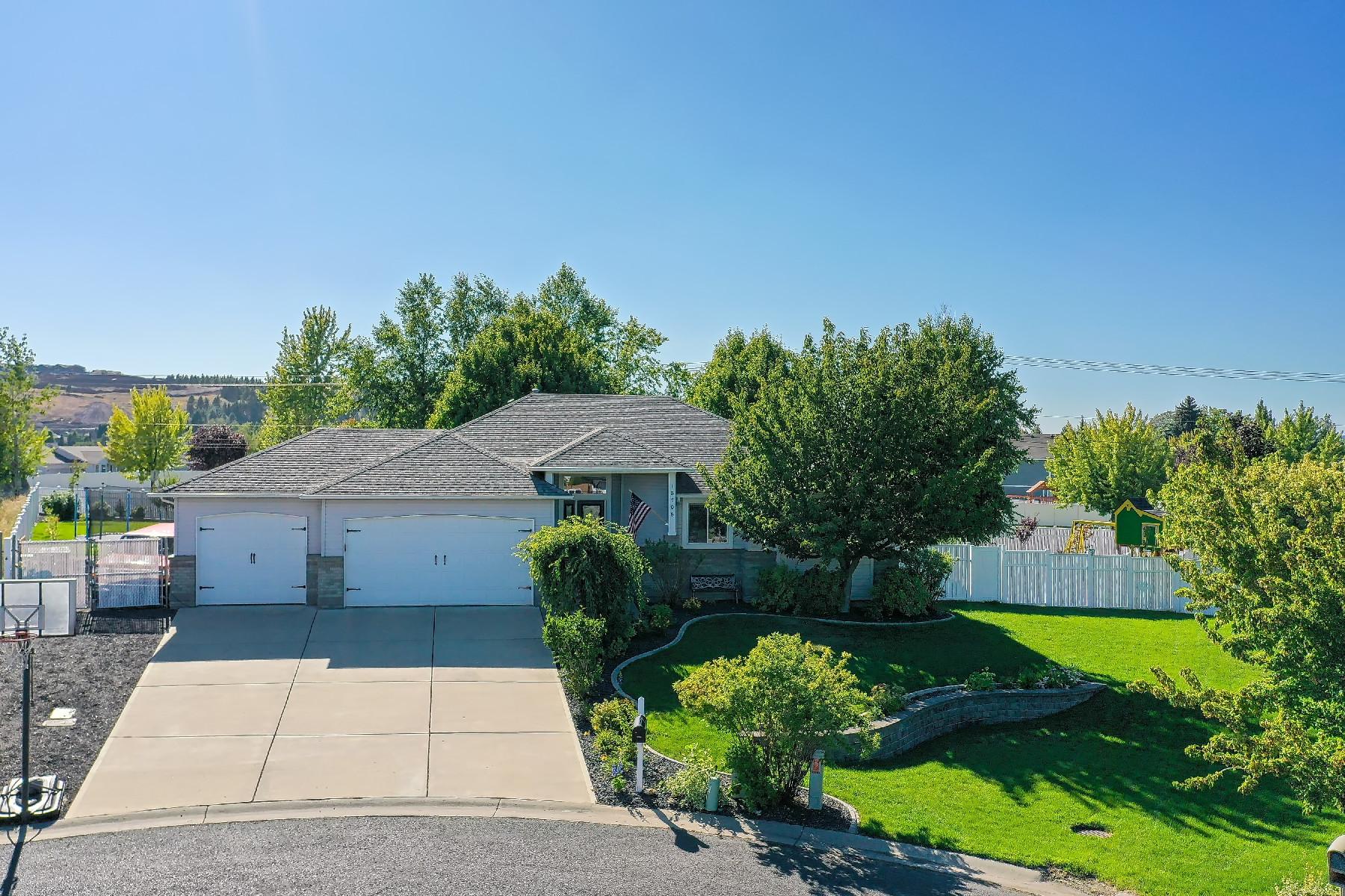 Single Family Homes por un Venta en Gorgeous Single Level Home 18706 E 9th Greenacres, Washington 99016 Estados Unidos