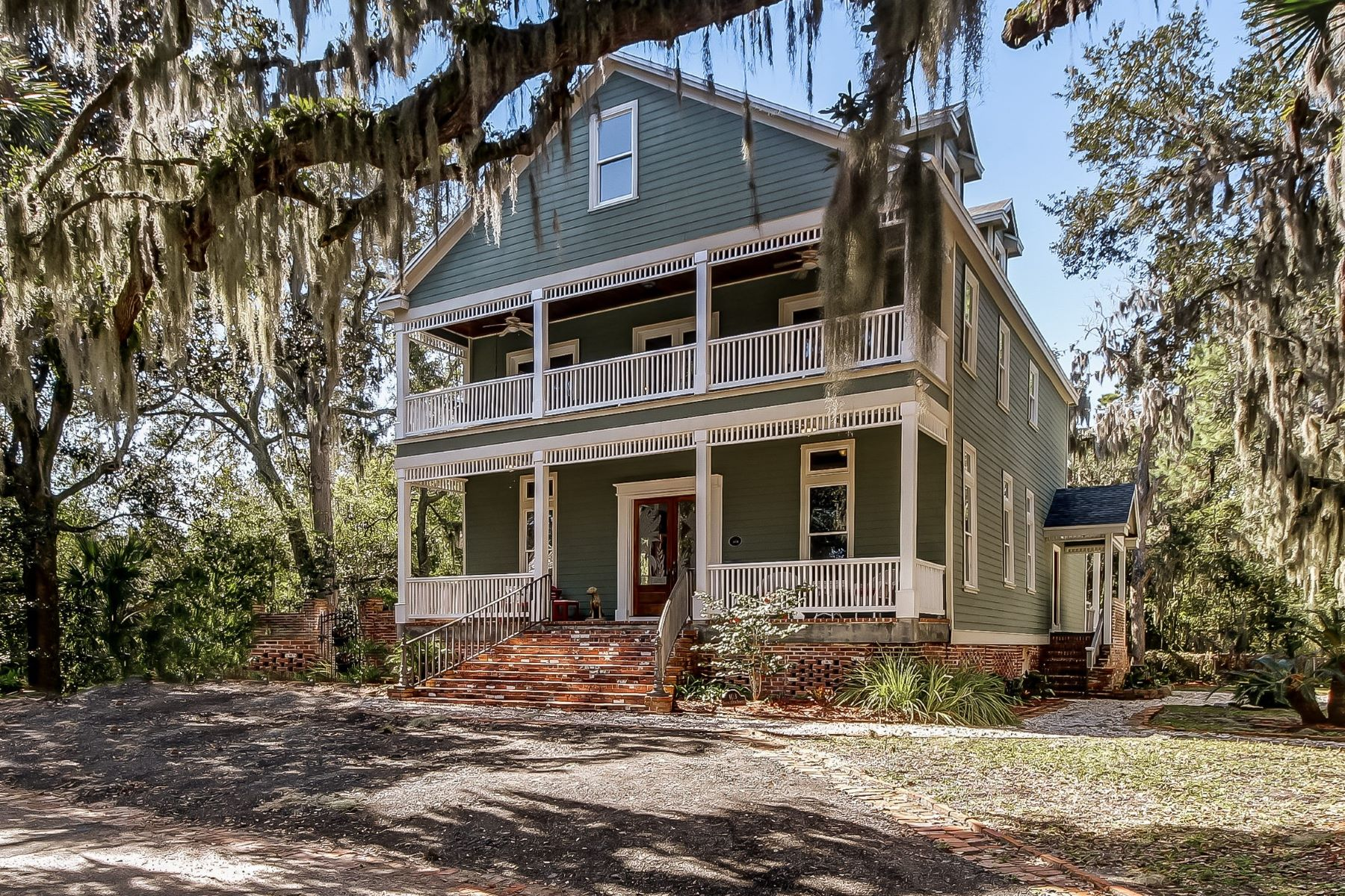 single family homes for Active at 103 S 10th Street Fernandina Beach, Florida 32034 United States