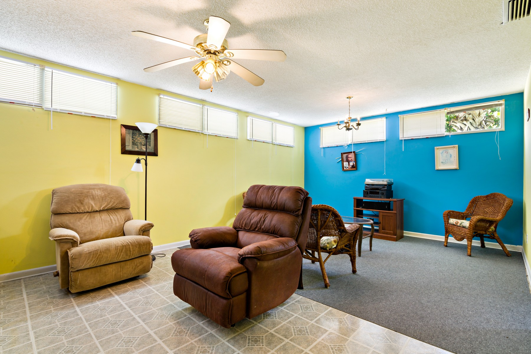 Additional photo for property listing at Oceanfront Home in Ultra Convenient Stretch of Coast 2115 N Highway A1A Indialantic, Florida 32903 United States
